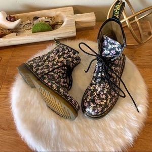 Dr Martens 8 eyelet vintage floral leather boots
